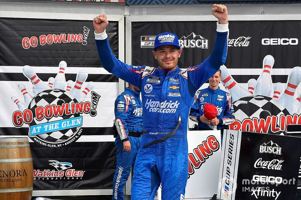 Watkins Glen NASCAR: Larson keeps clear of Elliott for win