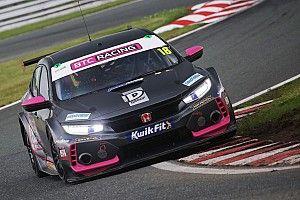 Oulton Park BTCC: Proctor wins Race 3 after Sutton collision