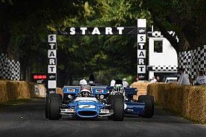 80 évesen is a volán mögött: Jackie Stewart és fiai parádéja