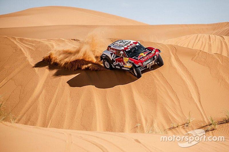"""Sainz: """"Mañana vamos a salir a intentar ganar el Rally de Marruecos"""""""