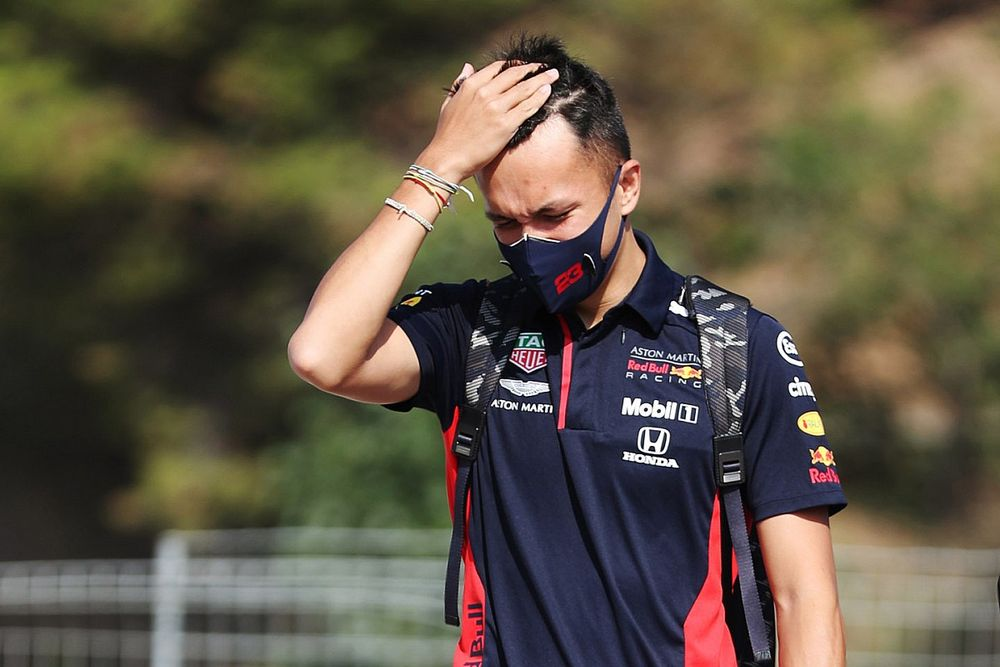 Глава Red Bull: Элбон может вернуться в 2023 году
