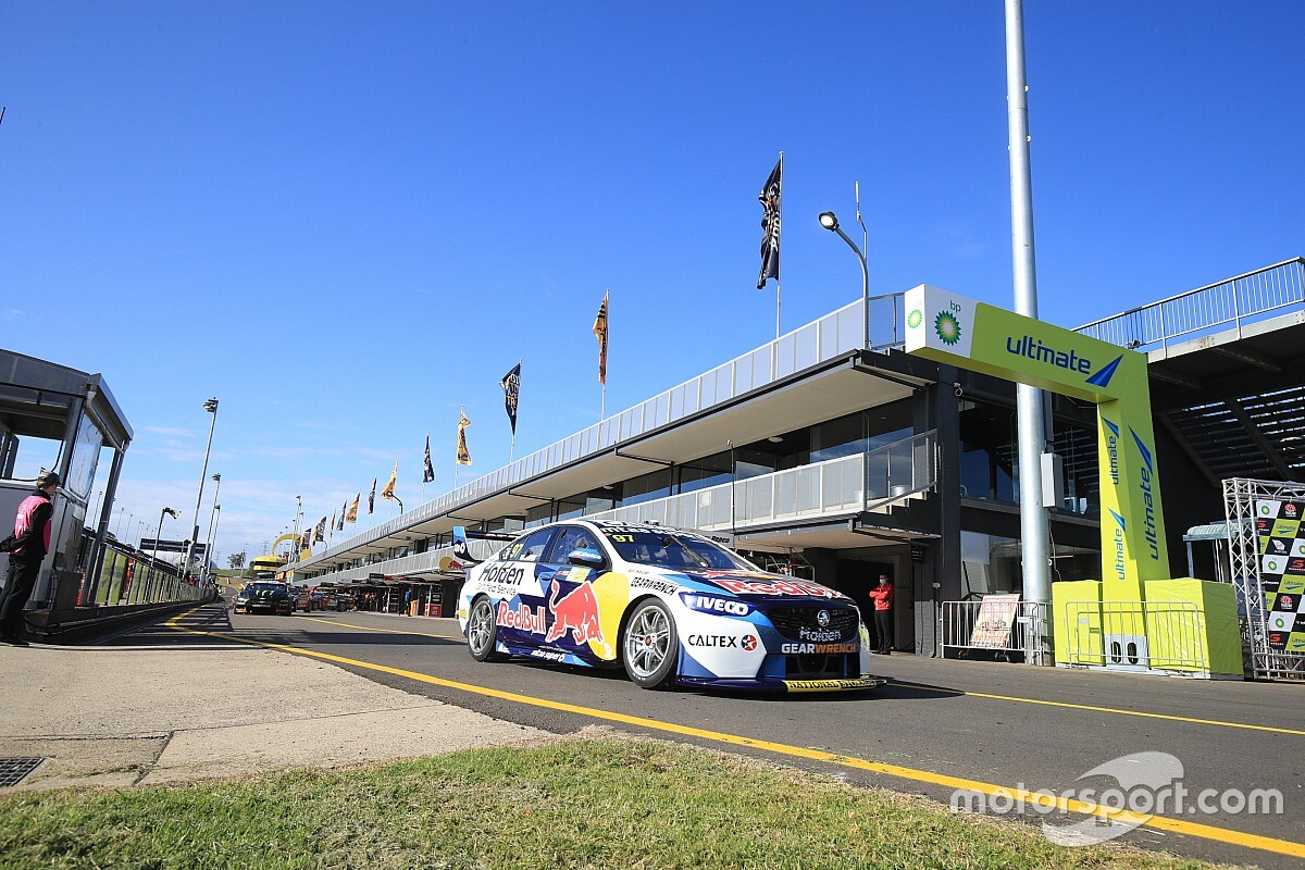Sydney Supercars: Van Gisbergen tops first practice