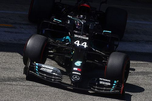 Hamilton a leggyorsabb a spanyol FP3-on, Ocon bizarr módon törte össze az autóját!