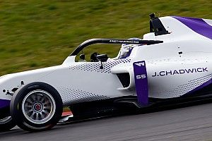 W Series Hockenheim: Chadwick topt ook natte tweede training
