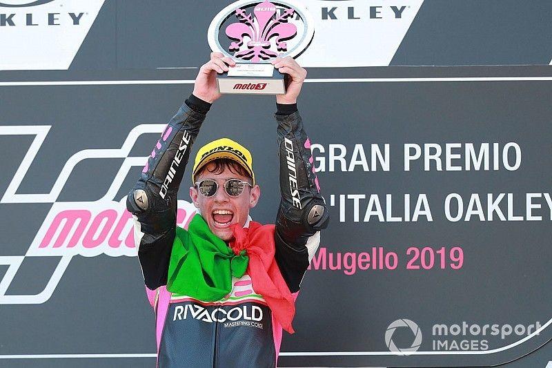 Arbolino gana por rebufo a Dalla Porta con Masià tercero