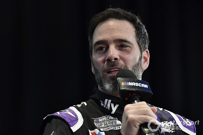 Jimmie Johnson 'debuta' en IndyCar