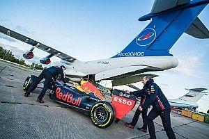 «Космонавт повредил машину головой». Как Red Bull снимала пит-стоп в невесомости