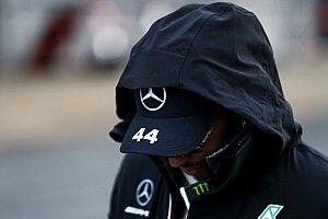 Hamilton folytatja a felkészülést, odakint fut: videó