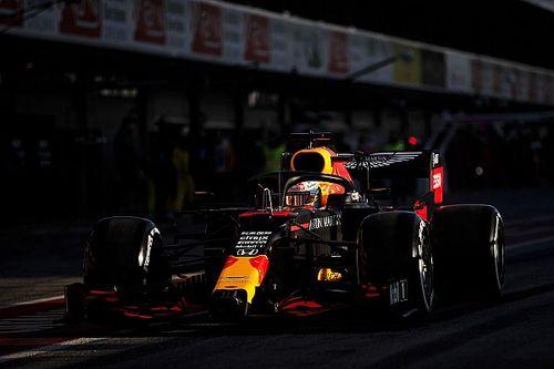 Первое утро сезона. Лучшие кадры с начала тестов Формулы 1 в Барселоне