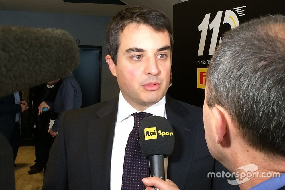 Уволенный из Ferrari инженер получил повышение в Mercedes