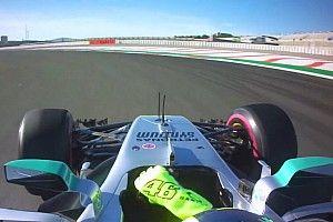 Vidéo - Le tour embarqué de Rossi dans la Mercedes de Hamilton