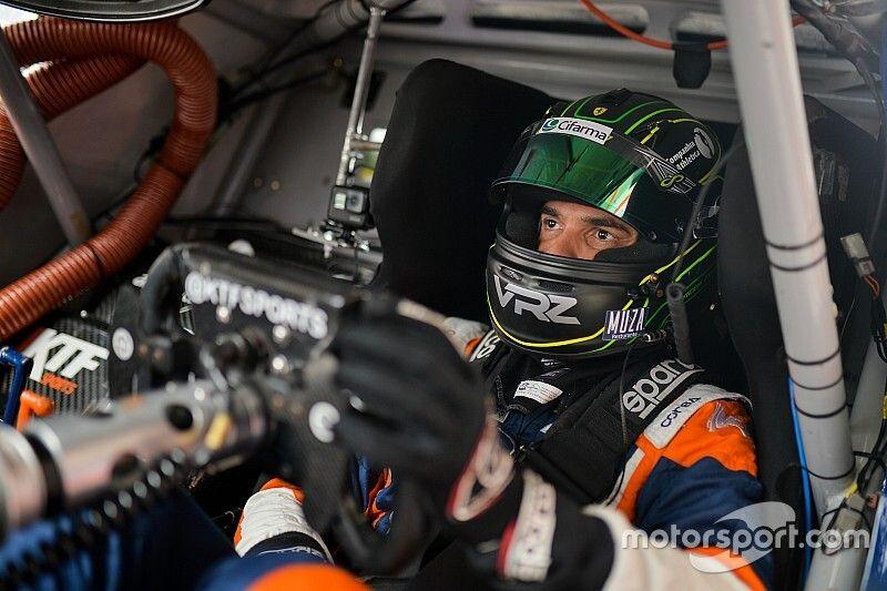"""Marcos Gomes celebra pole na final da Stock: """"Emocional está em 100%"""""""