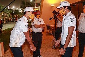 Nem mindennapi módon búcsúzik a McLaren Sainztól