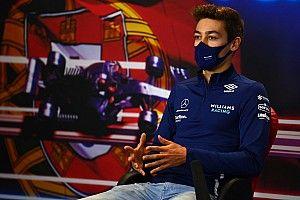 Russell: nem szabták meg, hogy miként küzdhetek a Mercedes pilótái ellen