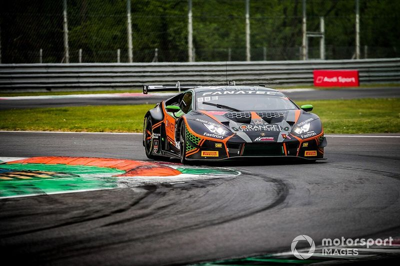 FFF Racing Lamborghini claims pole for GTWCE opener at Monza