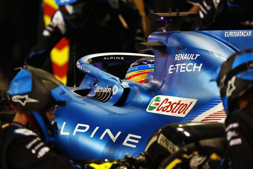 Alonso valt uit door boterhamzakje in brake duct