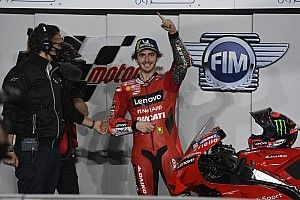Bagnaia se lleva la primera pole de MotoGP 2021 en Qatar