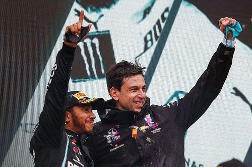 Hamilton Gembira Wolff Pimpin Mercedes hingga 2024