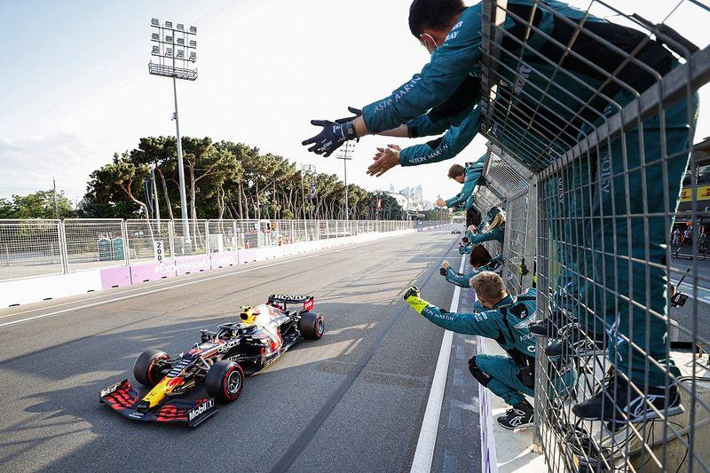 """Verstappen: """"La mejora de Pérez es positiva para Red Bull"""""""