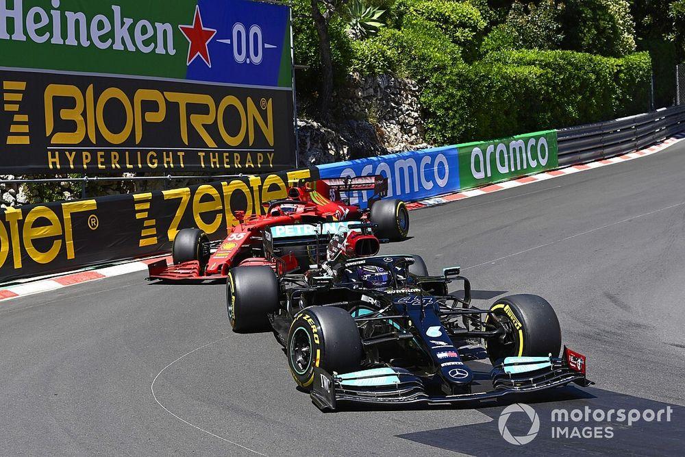 Hamilton Kaget Sekaligus Senang Lihat Performa Ferrari