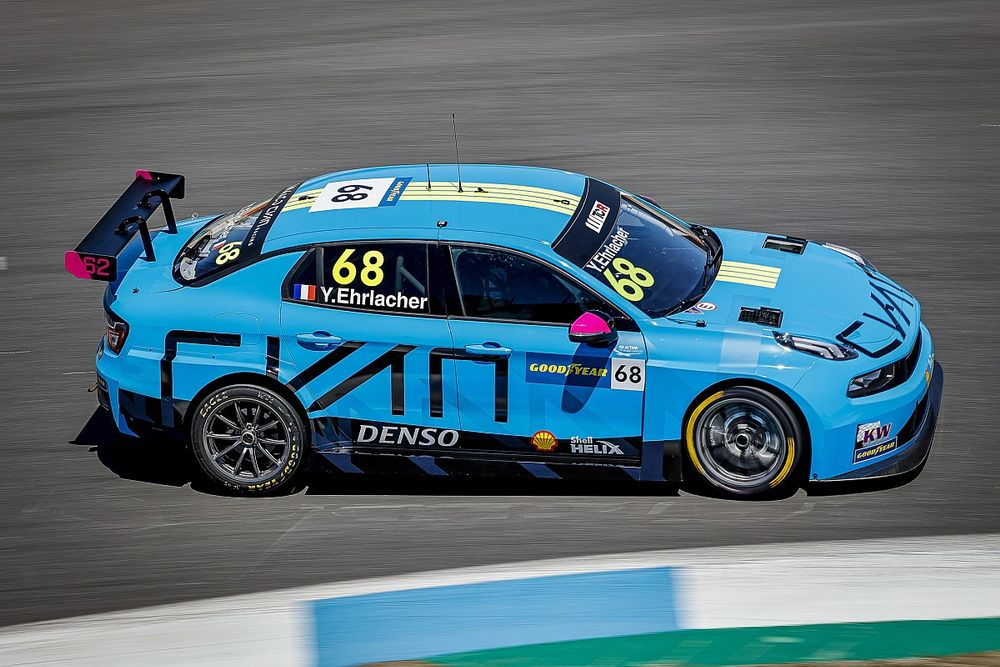 WTCR: Ehrlacher vince Gara 1, tripletta Lynk & Co all'Estoril
