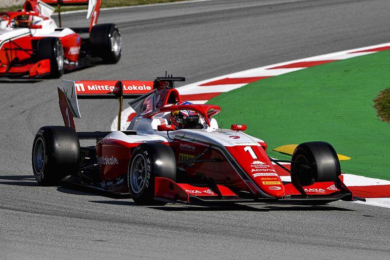 Hauger magabiztos vezetéssel nyerte az F3-as főfutamot Barcelonában