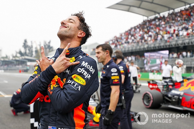 Egy őrülten jó képgaléria Ricciardo időmérős győzelméről Mexikóból