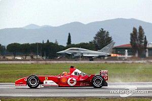 C'était un 11 décembre : Schumacher contre un avion de chasse