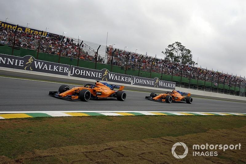 Les deux McLaren pénalisées au Brésil