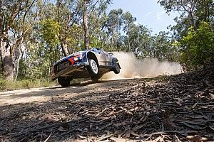 Neuville crashes out of WRC title fight