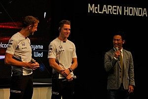 バトン「最後の日本GPかもしれないから……」Hondaトークショーで語る。琢磨も登場