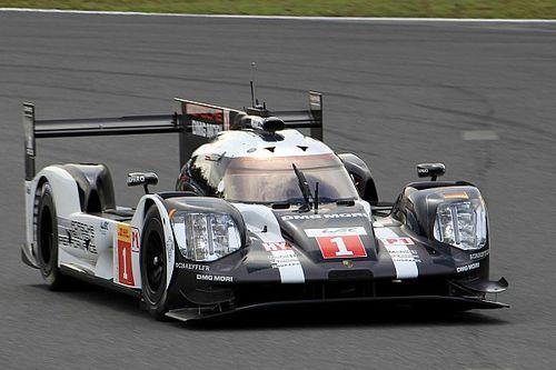 Экипаж Porsche установил лучшее время первого дня в Японии