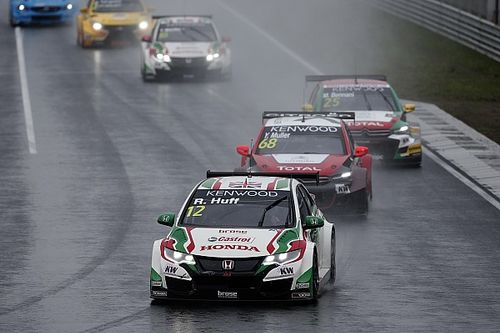 Huff calls for introduction of driver steward in WTCC