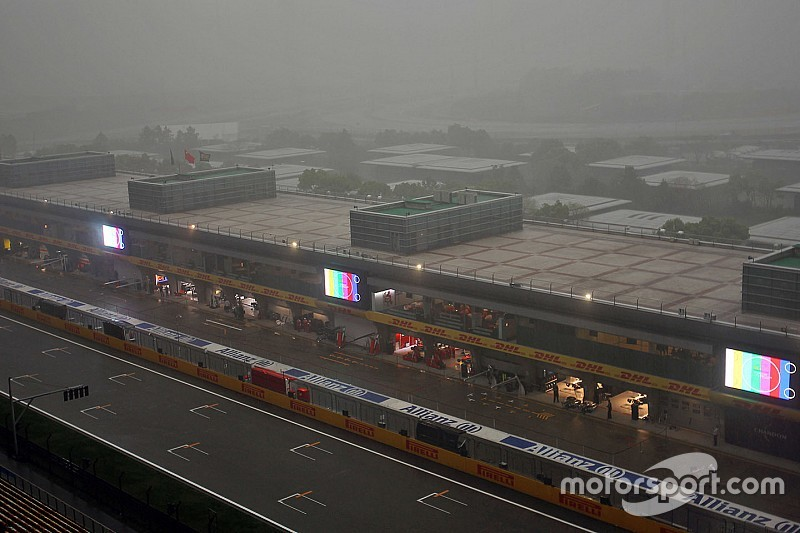 Wet weather hits F1 qualifying day in China