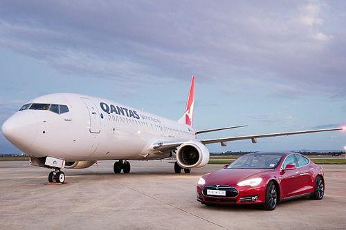 Vidéo - Quand une Tesla affronte... un Boeing 737!