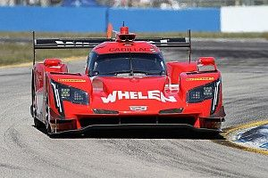 Sebring 12h: Hour 2 – Curran clings on to lead as Mazda crashes