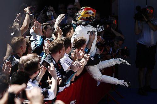 Stand: Hamilton verkleint achterstand met zege, Verstappen zakt naar P6