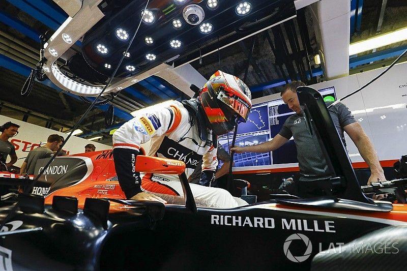 Колонка Вандорна: McLaren может стать лучшей из остальных в Сингапуре