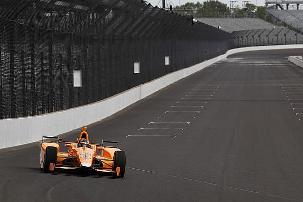 Alonso sulle curve a 227 miglia: