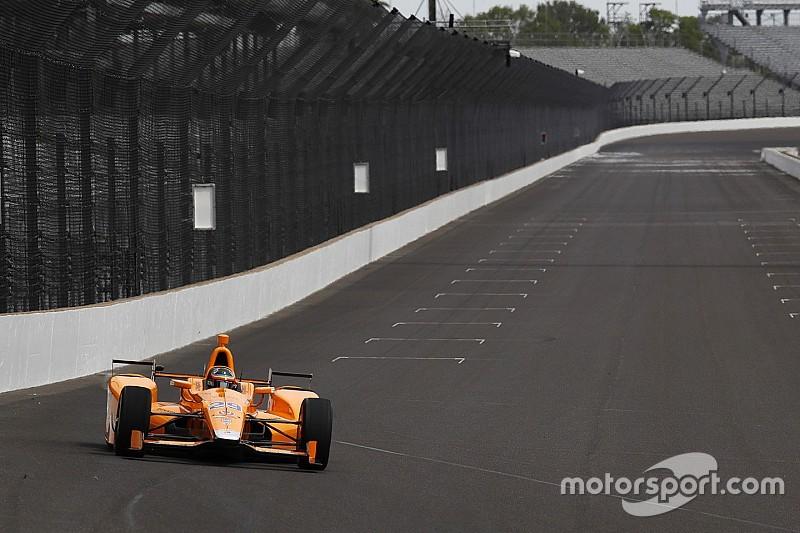 Alonso completa su primer test en Indianápolis