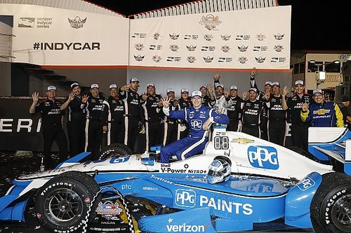 Gateway IndyCar: Newgarden wins after move of the season
