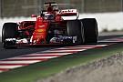 Raikkonen rompe la barrera del 1:18 y Alonso se para dos veces
