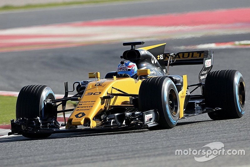 【F1】ルノー&ハース、フィルミングデーで新車初走行を完了
