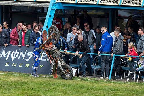 Coldenhoff onzeker voor seizoensfinale na krankzinnige crash in Assen