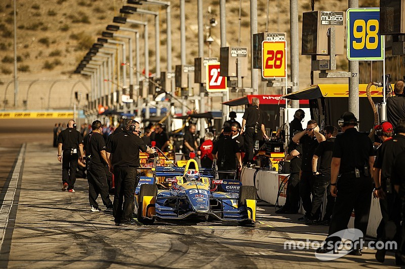 IndyCar drivers agree Phoenix show must improve
