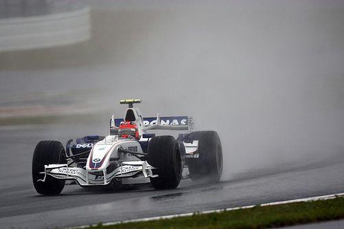 """Amikor az F1-ben még """"sokkal többet"""" engedtek: EPIC jelenet 2007-ből, Hamilton megúszta a kizárást"""
