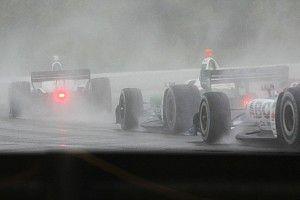 La pioggia battente fa rinviare a lunedì la gara di Birmingham