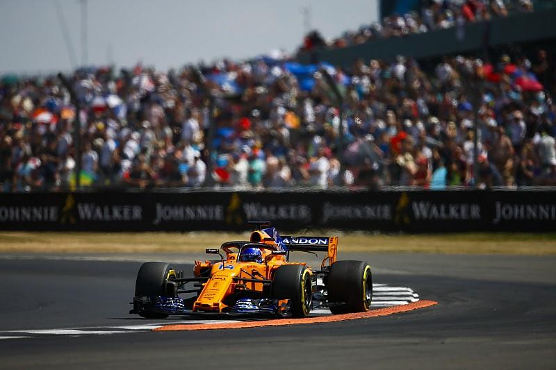 """Alonso tras otro duelo con Magnussen: """"Siempre se dijo que hay que dejar espacio"""""""