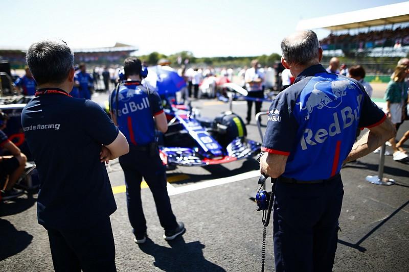 """A Toro Rossónál még """"záporozhatnak"""" a motorbüntetések: a Red Bull így segítene?!"""