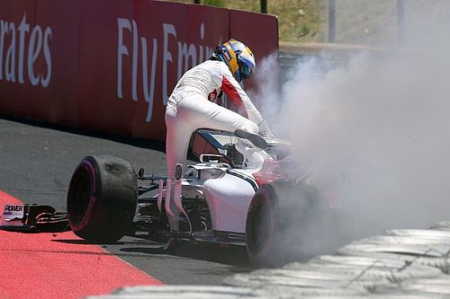 Ericsson explica por qué no se apresuró en salir de su F1 en llamas